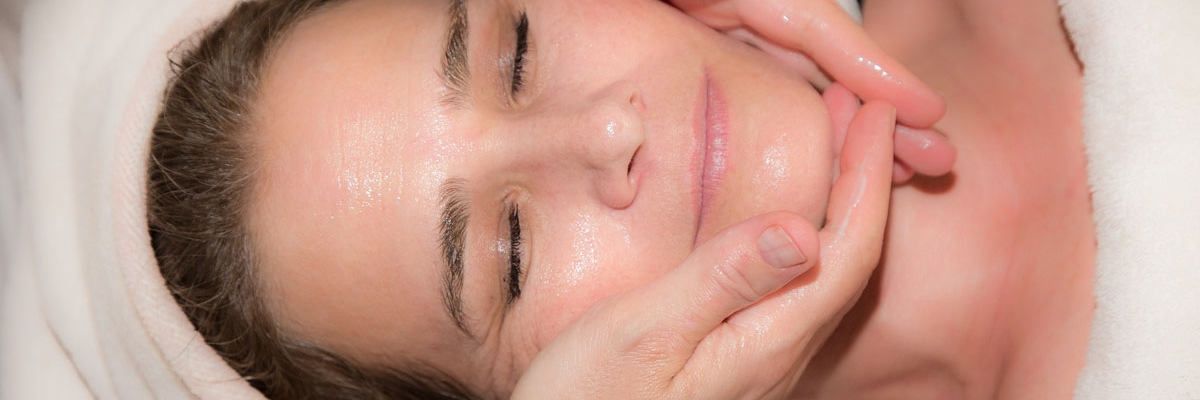 Facial Rejuvenation Massage